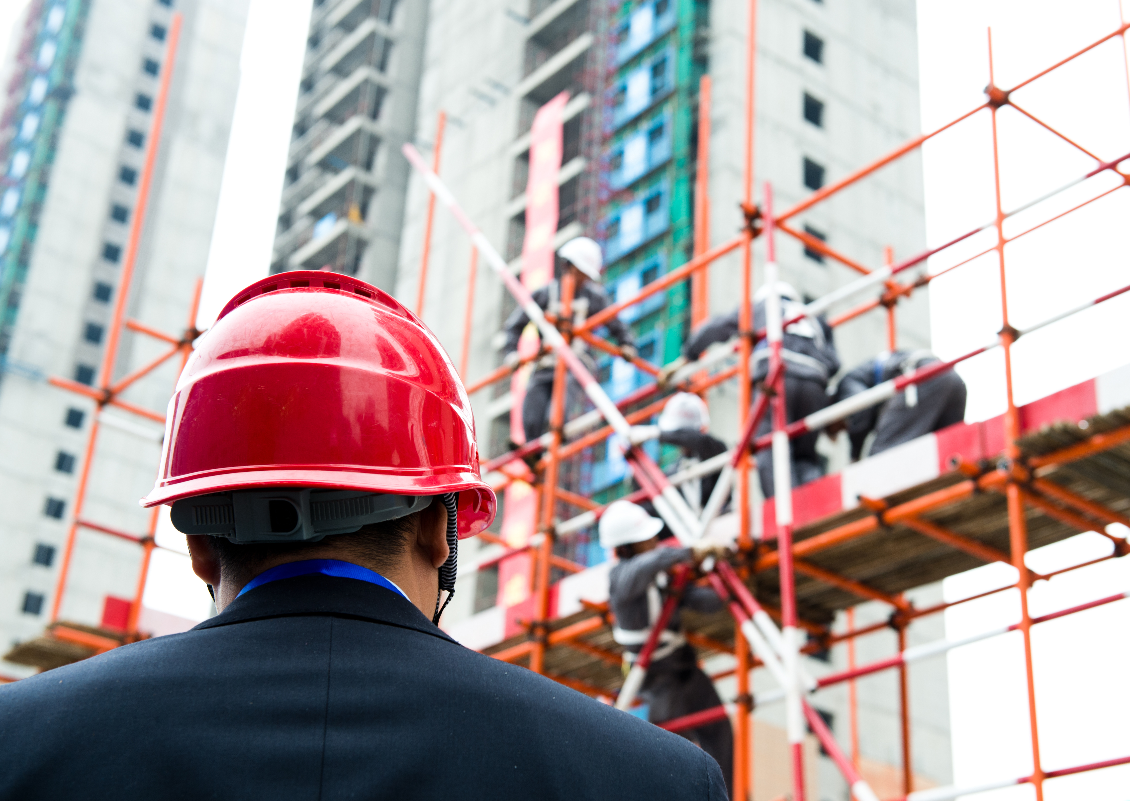 Many states have scaffolding safety requirements that must be met in addition to federal OSHA standards.